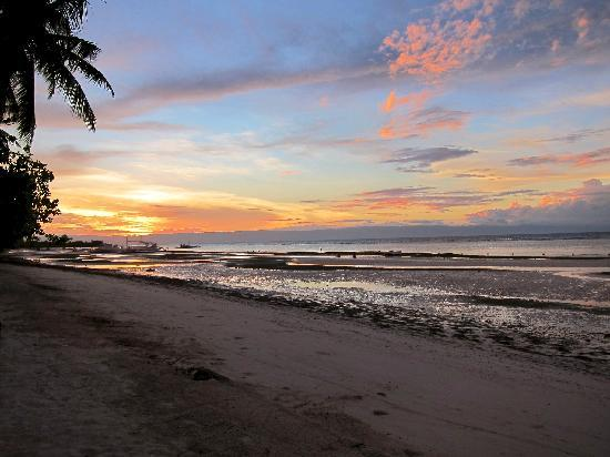 The Ananyana Beach Resort & Spa: sunset at the ananyana