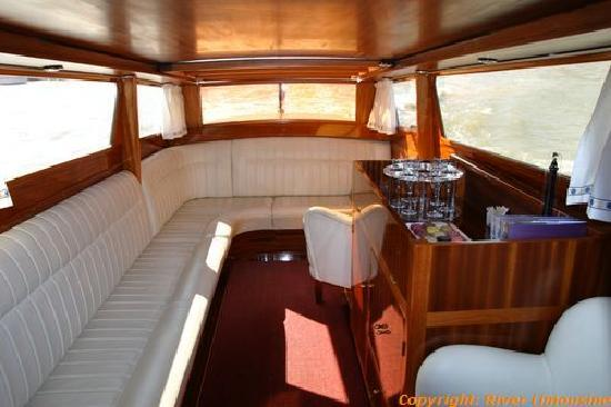 interieur du bateau photo de river limousine paris tripadvisor. Black Bedroom Furniture Sets. Home Design Ideas