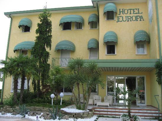 Hotel Europa: Exterior