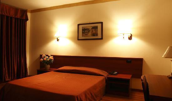 Hotel Geo: Camera Matrimoniale
