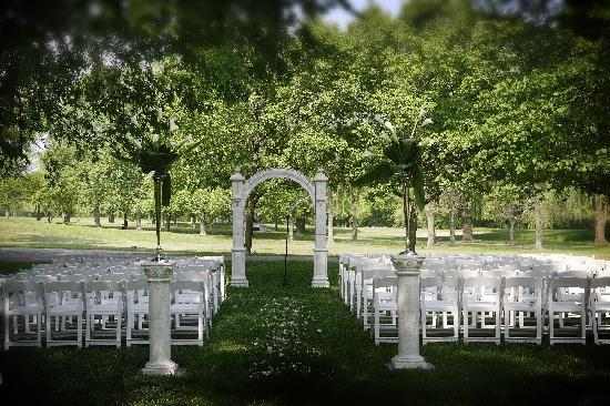 Outdoor wedding venues Picture of Chicago Marriott Lincolnshire