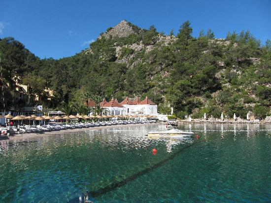 Hillside Beach Club: View of hotel from the dock