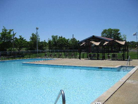 Nashville Jellystone Park: Relax by the pool (Summer Season)