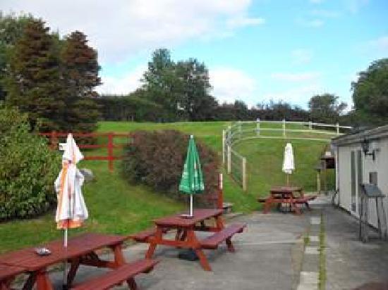 The Bush Inn: Garden Area