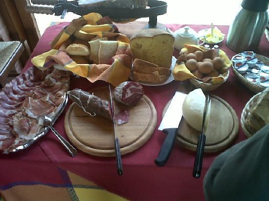 Tramonto su Assisi: La colazione