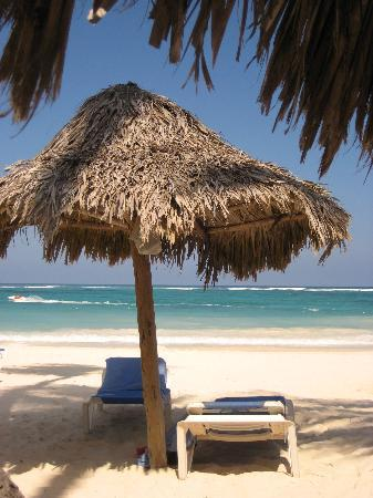 Bavaro Princess All Suites Resort, Spa & Casino: coin plage