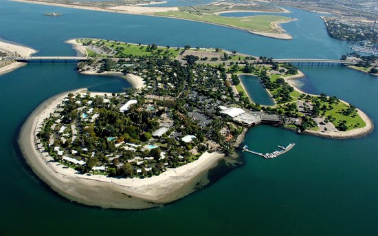 Paradise Point Resort & Spa: Aerial of the Paradise Point island
