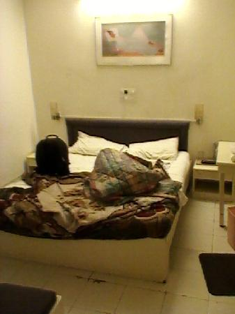 Hotel Sapna International: Small yet adequate room