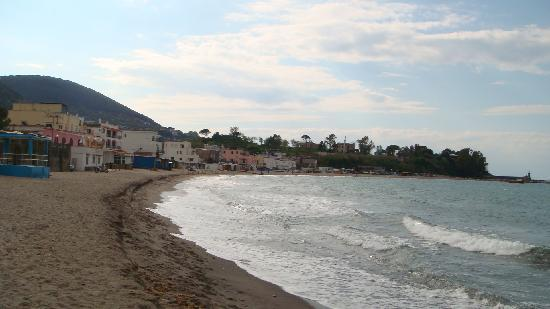 Hotel Ambasciatori : spiaggia panorama