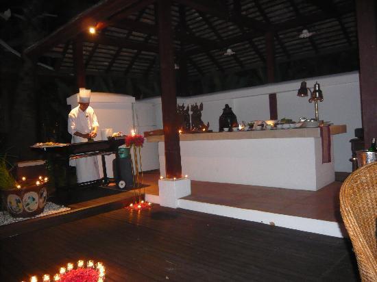 The Dhara Dhevi Chiang Mai: Grillparty nur für uns