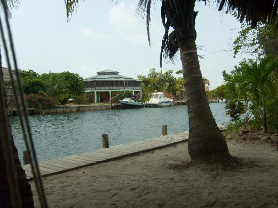 Silver Leaf Villa and Cabana: The canal in front of the Cabana