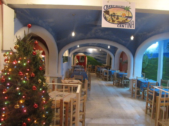 Crazy Beaches Canitna : the dining and dancing room