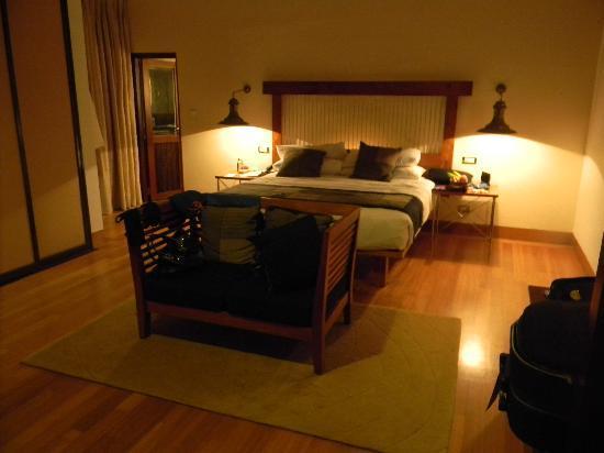เฮอริแท้นซ์ อาฮังกัลลา: Room