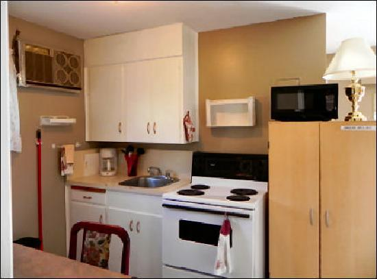 Destiny Beach Resort: Lakeview #1 Kitchen 2011