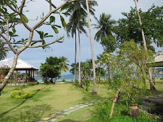 Koh Ngai Thanya Beach Resort: View from the Sea View room