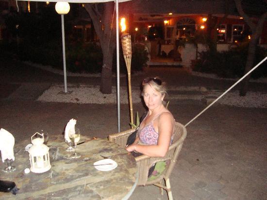 MVC Eagle Beach: Dinner at the Tulip