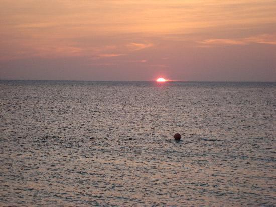 MVC Eagle Beach: Sunset at Eagle Beach