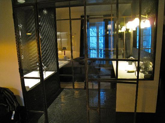 Hotel Particulier Montmartre: Coolest Bathroom Ever!
