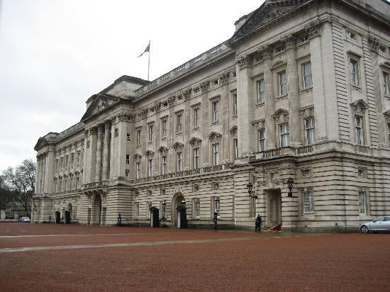 The Levin: Only 5 minute walk from Buckingham Palace