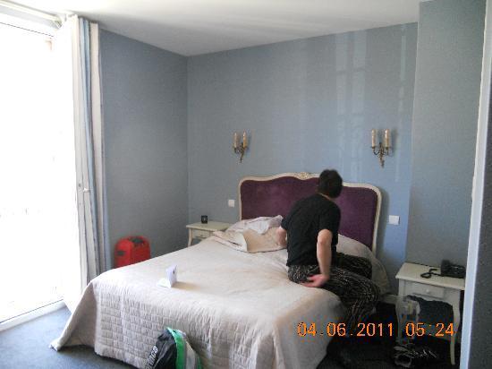 Hotel Les Grands Crus : Bedroom