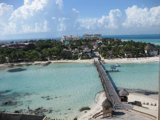 Mia Reef Isla Mujeres: excelente ubicación tipo isla privada