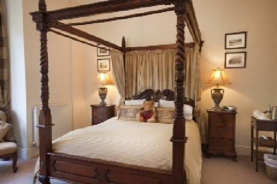 Ellingham House: Beautifully Furnished Room