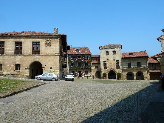 Santillana del Mar, Spanje: Plaza Mayor