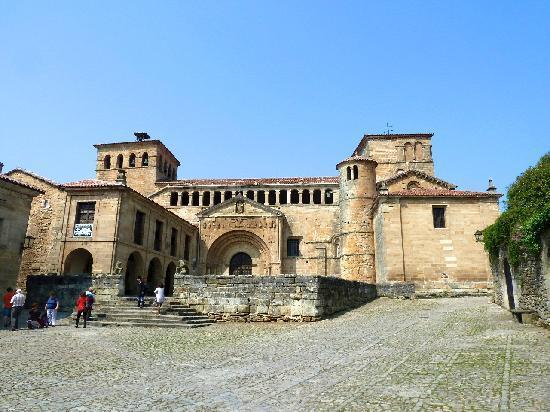 Santillana del Mar, España: Kathedrale
