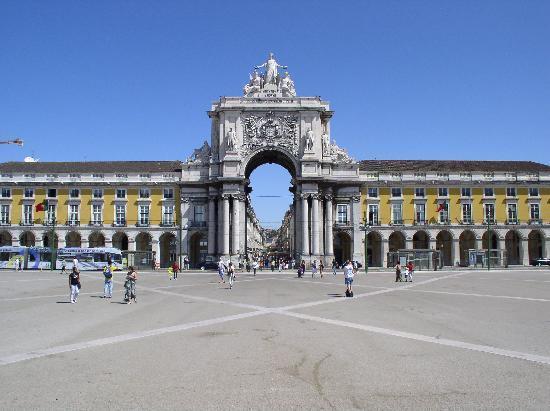 Praça do Comércio (Terreiro do Paço): Der Platz Richtung Innenstadt