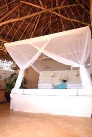 Kanani House: Giant beds