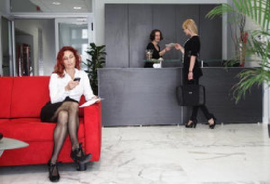 Birokrat Hotel : reception