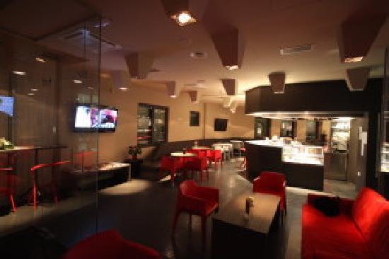 Birokrat Hotel : bar