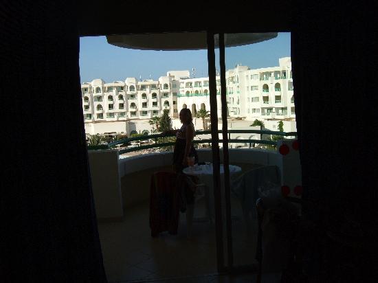El Mouradi El Menzah : Room to balcony