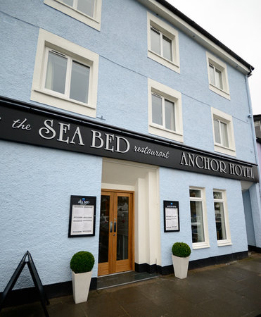 Anchor Hotel: Refurbished Anchor entrance