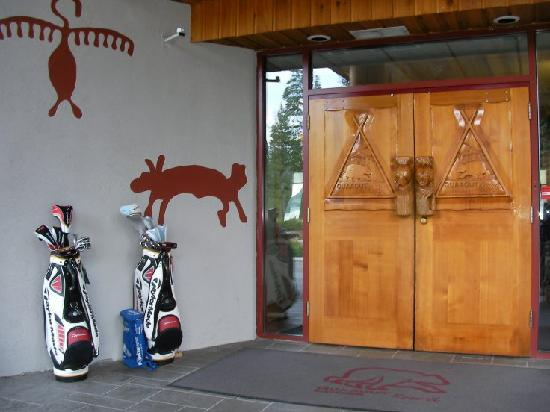 Quaaout Lodge & Spa at Talking Rock Golf Resort: Entrance
