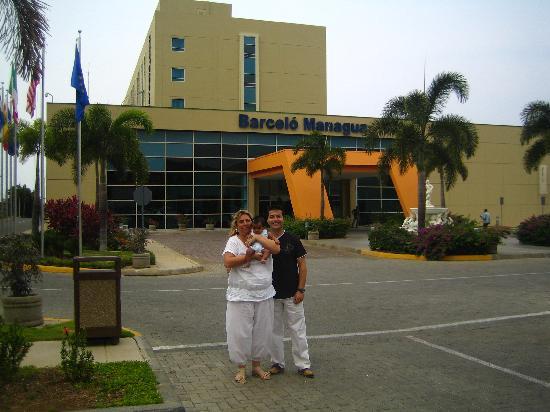 Barcelo Managua: Entrada principal