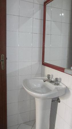 Hotel Don Quijote: baño hab standard