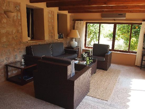 Ca's Curial: One room of suite