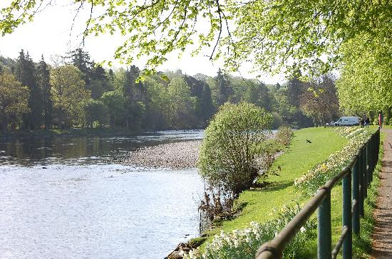 Maple Court Hotel : The River ness