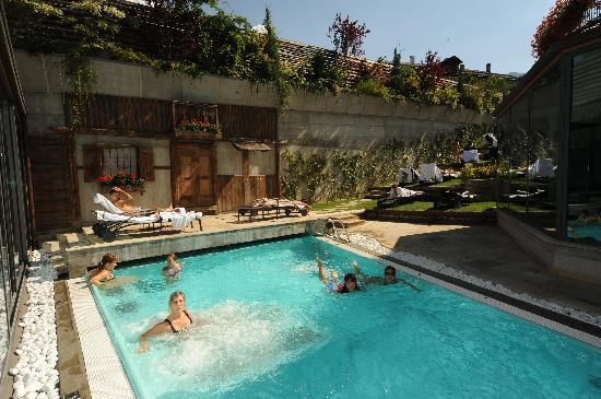 AlpHoliday Dolomiti Wellness & Fun Hotel: Piscina Esterna