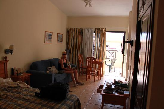 Cotillo Sunset: Room (it was tidy before we got there)