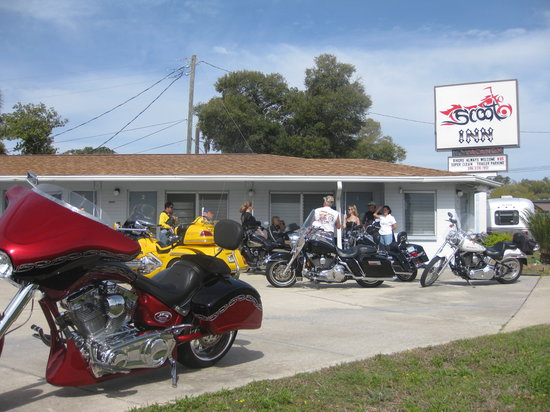 Scoot Inn Motel: Scoot Inn - Bike Week 2011