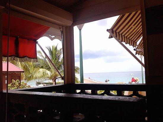Chez Marie Jo : The sea from the veranda