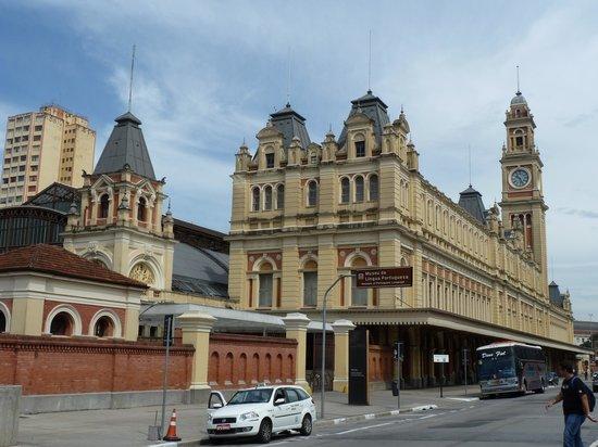Pinacoteca do Estado de São Paulo: Bahnhof