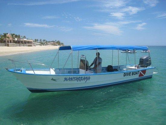 Cabo Pulmo Marine Preserve: MANTA RAYA BOAT IS READY TO SCUBA !!!