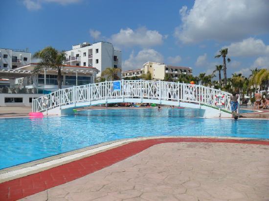 Marlita Beach Hotel Apartments: Pool