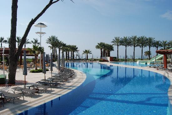 Cornelia De Luxe Resort : Beautiful Hotel Pool Complex