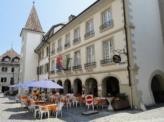 Nyon, สวิตเซอร์แลนด์: Postcard charming