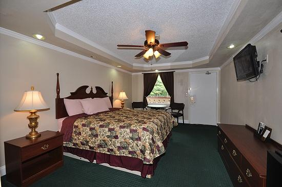 Riverbend Motel & Cabins: Remodeled rooms