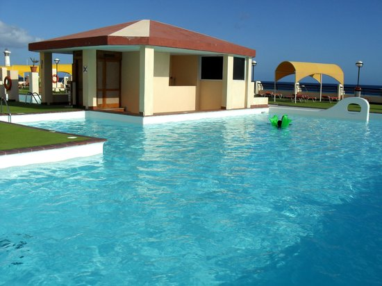 Palm Garden Hotel: Poolen på Palm Garden
